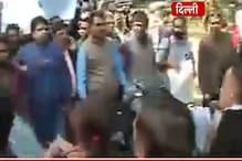 صحافیوں کی پٹائی کا معاملہ: پریس کلب سے سپریم کورٹ تک صحافیوں نے نکالا مارچ