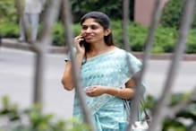 شوہر کی خودکشی کے بعد مجبوری میں سیاست میں آئیں رکشا، آج ہیں بی جے پی کی رکن پارلیمنٹ