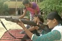 بجرنگ دل کے بعد درگا واہنی نے دی اب خواتین کو ہتھیار چلانے کی ٹریننگ