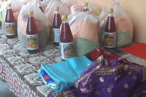 مظفرپور۔ رمضان کی آمد آمد ہے۔ روزہ کا اہتمام کرنے والے افراد سحروافطارمیں کام آنے والی ضروری اشیا کی خریداری میں مصروف ہیں۔