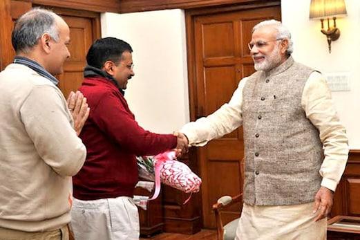وزیر اعظم مودی نے کیجریوال کو دی سالگرہ کی مبارک باد  ، کیجریوال نے کہا : شکریہ
