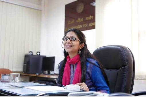 دہلی خواتین کمیشن کی سربراہ سواتی مالیوال نے دہلی کی سابق وزیر اعلی شیلا دکشت کے خلاف انسداد بدعنوانی بیورو (اے سی بی) میں آج بدعنوانی کا معاملہ درج کرایا ہے۔