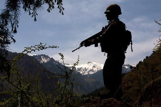جموں و کشمیر کے راجوری میںپاکستانی فوج نے جنگ بندی کی پھر کی خلاف ورزی