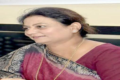 نئی دہلی ۔ پبلک ہیلتھ کے ساتھ ساتھ اردو میڈیا کی اہمیت اور اس کے مسائل کو مد نظر رکھتے ہوئے قومی خواتین کمیشن کی رکن ثمینہ شفیق نے ''روبرو'' کے نام سے ایک پلیٹ فارم تیار کیا ہے ۔