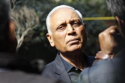 تیاگی کے ساتھ ساتھ گوتم کھیتان اور جولی تیاگی کو بھی گرفتار کیا گیا ہے۔ تینوں کو کل عدالت میں پیش کیا جائے گا