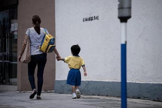 اسکول کے بس کنڈکٹر نے کیا 4 سالہ معصوم کا ریپ، بچی کے پیٹ میں درد ہونے پر ہوا انکشاف