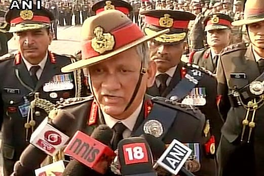 دہشت گردوں کے خلاف کارروائی میں رکاوٹ ڈالنے والوں کو بھی نہیں بخشا جائے گا :فوجی سربراہ
