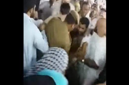 مسجد حرام میں ذہنی طور پر مریض شخص کا اقدام خود سوزی