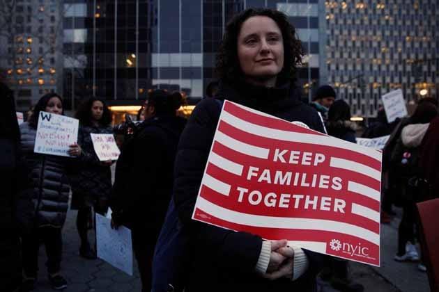 پابندی کے خلاف امریکہ کے نیویارک میں احتجاج