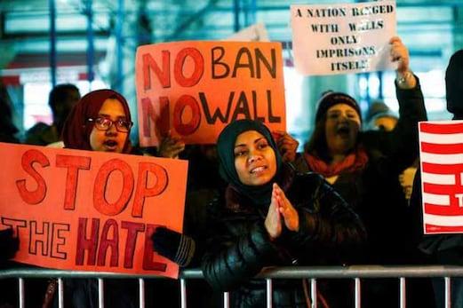 امریکی سپریم کورٹ نے چھ مسلم ممالک پر ٹرمپ کی سفری پابندیوں کی منظوری دے دی
