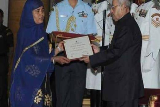 لوکل ٹرین کی پہلی مسلم خاتون ڈرائیور ممتاز قاضی کو صدرجمہوریہ نے دیا ناری شکتی پرسکار