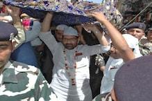 وزیراعظم مودی کی طرف سے نقوی نے اجمیر درگاہ پر پیش کی چادر: دیکھیں تصویریں