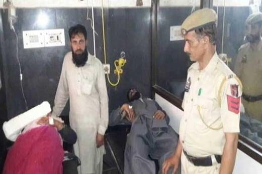 کشمیر: گئو رکشکوں کا مویشیوں کو لے جارہے بنجارہ کنبہ پر حملہ ، زخمیوں میں 9 سال کی بچی بھی شامل