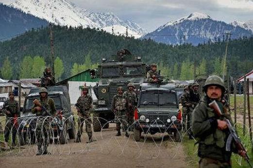 پاکستان نے باڑ پر کام کر رہے فوجیوں پر کی فائرنگ ، فوج نے بھی دیا معقول جواب
