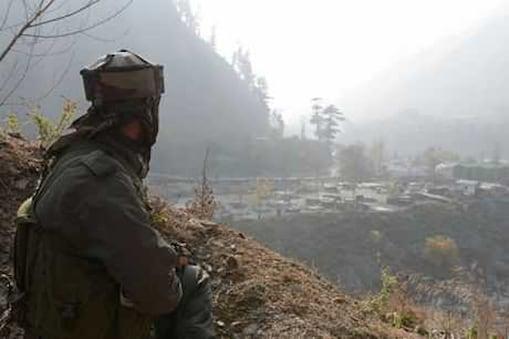 فوج نے شمالی کشمیر کے ضلع بارہمولہ میں لائن آف کنٹرول کے اوڑی سیکٹر میں دراندازی کی ایک اور بڑی کوشش کو ناکام بناتے ہوئے 5 جنگجوؤں کو ہلاک کیا ہے