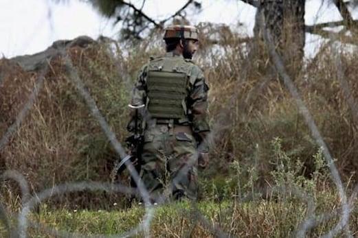 جموںو کشمیر : تلاشی مہم کے دوران ریاسی میں دہشت گردوں کے خفیہ ٹھکانہ سے اسلحہ و گولہ بارود برآمد
