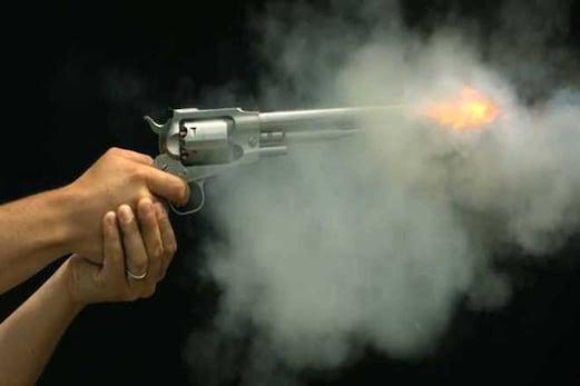 جموں و کشمیر :باندی پورہ ضلع میں کانگریس لیڈر امتیاز پارے کے گھر پر دہشت گردوں کا حملہ ، شدید فائرنگ