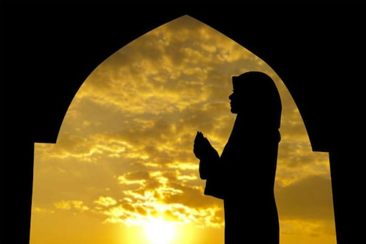 برطانیہ میں مسلم خاتون کے ساتھ بدسلوکی ، مارپیٹ ، حجاب کھینچا گیا