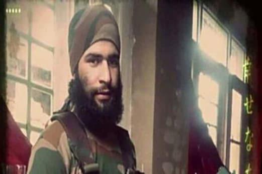 کشمیر: دہشت گرد ذاکر موسی کو سکیورٹی فورسز نے گھیرا، مقامی لوگوںکی جانب سے پتھراؤ کی خبر