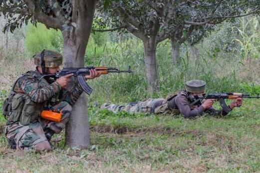 سرجیکل اسٹرائک کے بعد ایل او سی کے پاس دہشت گردوں کے اڈوں میں اضافہ ، 475 دراندازی کی کوشش میں : فوج