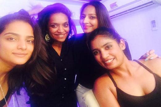ہندستانی خاتون کرکٹ ٹیم کی کپتان متھالی راج نے شیئر کی ایسی تصویر ، سوشل میڈیا پر ہوگئیں ٹرول