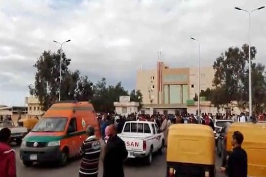 مصر :مسجد میں قتل عام کا انتقام لیا جائے گا : صدر السیسی ، دہشت گردوں کے خلاف کارروائی کا آغاز