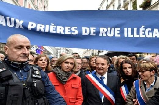 فرانس : سڑک پر نماز ادا کررہے مسلمانوں پر مقامی سیاستدانوں کا حملہ ، متعدد نمازی زخمی