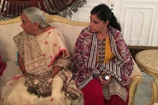 ْجادھو کی ماں اور بیوی کو منگل سوتر، چوڑیاں اور بندی اتروانے پر ہندوستان کا شدید ردعمل