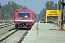 وادی کشمیر میں سکیورٹی وجوہات کے پیش نظر ریل خدمات ملتوی