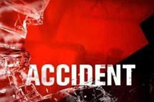 بھیانک سڑک حادثے میں موٹر سائیکل سوار تین نوجوانوں کی موت