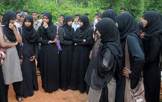 مودی سرکارنے دی ریکارڈ 4 گنا طالبات کواسکالر شپ، پھر بھی 40 فیصد طالبات محروم