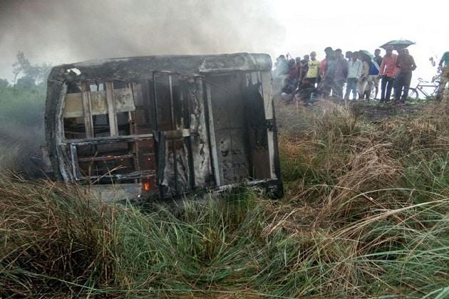 fire-in-bus-3