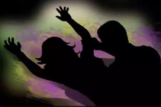 نابالغ لڑکی کا دو لوگوں نے ریپ کرکے بنایا ویڈیو، حاملہ ہونے پر ہوا انکشاف