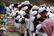 نماز کے دوران مسجدوں میں گھسی پولیس، ہوائی فائرنگ، لوگوں نے کیا پتھراؤ