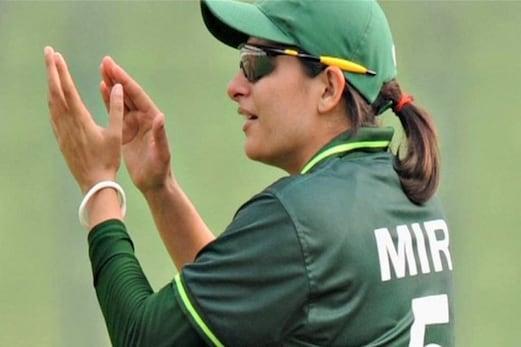 پاکستان کی ثناء میرکو گیند بازی رینکنگ میں پہلی پوزیشن، جھولن گوسوامی پانچویں نمبر پر