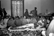 مہاتما گاندھی کو آخری وداعی دینےامنڈ پڑا تھا پورا ملک، آخری وقت تک ہاتھ جوڑے کھڑے تھے بچے