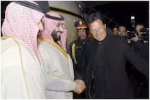 پاکستان کے وزیر اعظم عمران خان بنے 'ڈرائیور'، سوشل میڈیا پر جم کر اڑا مذاق