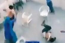 مسلم فیملی کوگھرمیں گھس کرلاٹھی، راڈ سےپیٹا گیا، جان بچانےکی گہارلگاتی رہیں خواتین