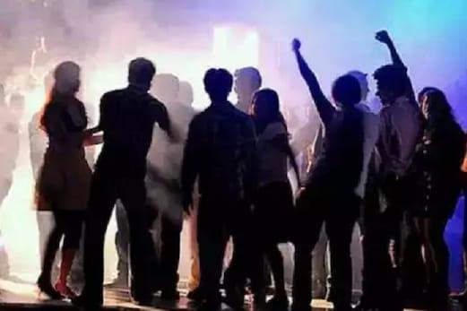 ریو پارٹی پر چھاپہ: اس حالت میں ملے نابالغ لڑکے۔لڑکیاں، قابل اعتراض اشیا بھی برآمد