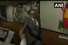 سید اکبرالدین نے پاکستانی صحافیوں کی طرف بڑھایا دوستی کا ہاتھ: دیکھیں ویڈیو