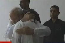 رو پڑے اسرو کے صدر کے سیون، وزیر اعظم مودی نے گلے لگا کر بڑھایا حوصلہ، دیکھیں ویڈیو