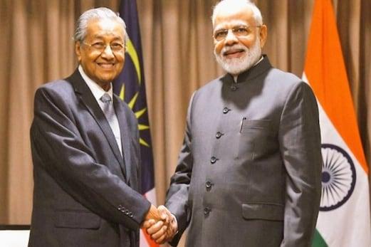 وزیر اعظم مودی کی ملیشیا کے وزیر اعظم مہاتیر محمد سے ملاقات، ذاکر نائک کی حوالگی کا اٹھایا معاملہ