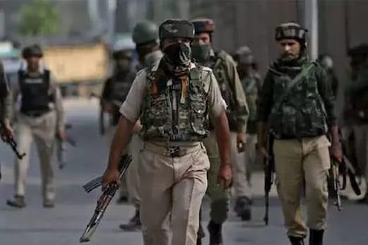 جموں و کشمیر میں بڑے حملے کی سازش ناکام ، 6 اے کے 47 کے ساتھ تین دہشت گرد گرفتار