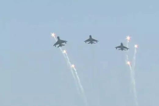 یوم فضائیہ پرونگ کمانڈر ابھینندن نے اڑایا مگ۔21، بالاکوٹ ایئر اسٹرائک کے پائلٹوں نے دکھایا دم خم