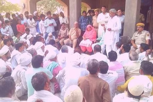 کشمیر میں مارے گئے شریف خان کے کنبہ کیلئے معاوضہ کا اعلان ، تدفین کیلئے راضی ہوئے مقامی لوگ