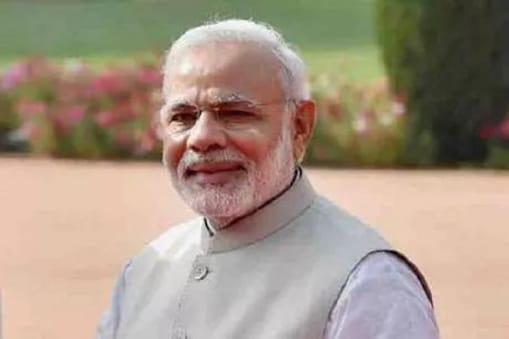 وزیر اعظم نے کہا کہ گزشتہ صدی سے ہی سنتے آئے ہیں کہ اکیسویں ویں صدی ہندوستان کی ہوگی ۔ کورونا بحران کے دوران ہمیں صورتحال کو اچھے سے دیکھنے اور سمجھنے کا موقع ملا ہے ۔ انہوں نے کہا کہ دنیا کی آج کی صورتحال ہمیں سکھاتی ہے کہ اس سے لڑنے کا ایک ہی راستہ ہے خود کفیل ہندوستان ۔