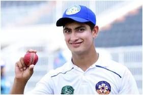 میچ کے دوران 16 سال کے اس پاکستانی کرکٹر کو ملی بیحد دردناک خبر