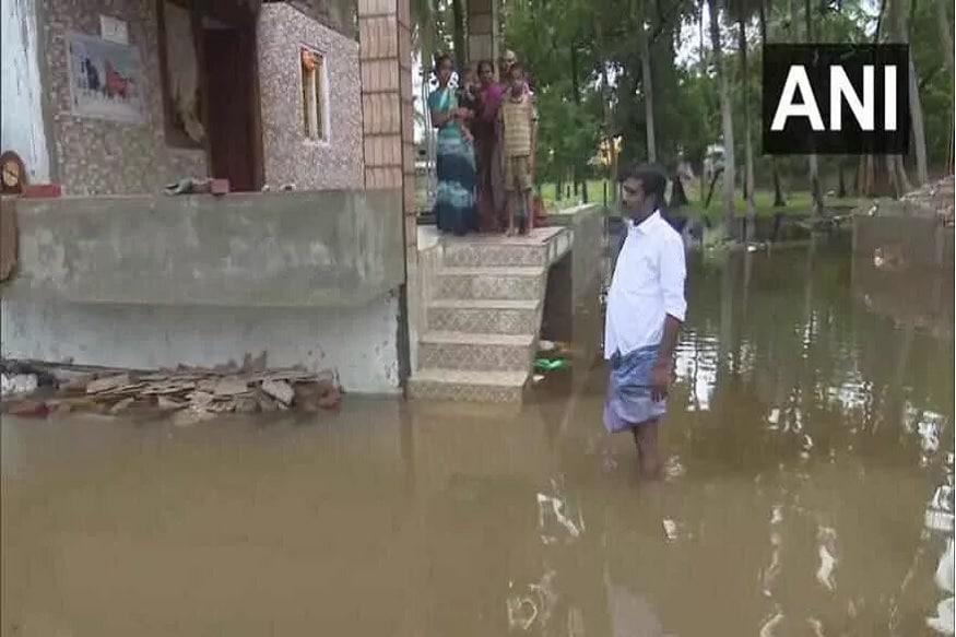 تمل ناڈو میں شدید بارش کی وجہ سے کم از کم 15 افراد کی موت ہوگئی ہے