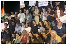 جے این یو حملے کے خلاف بالی ووڈ ستاروں اور طلبہ کا احتجاجی مظاہرہ: دیکھیں تصویریں