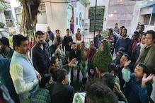 جامعہ تشدد: آصف محمد خان سمیت کئی لوگوں کی گرفتاری کی افواہ پر ہنگامہ